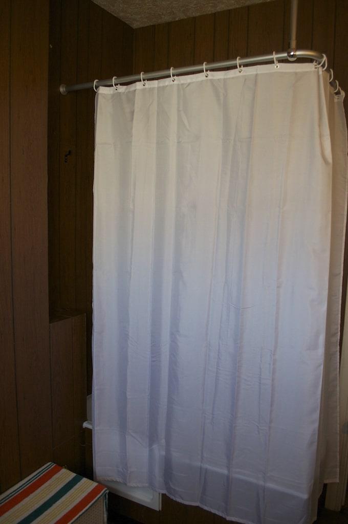 Laver un rideau de douche home design architecture - Rideau giet douche italienne ...