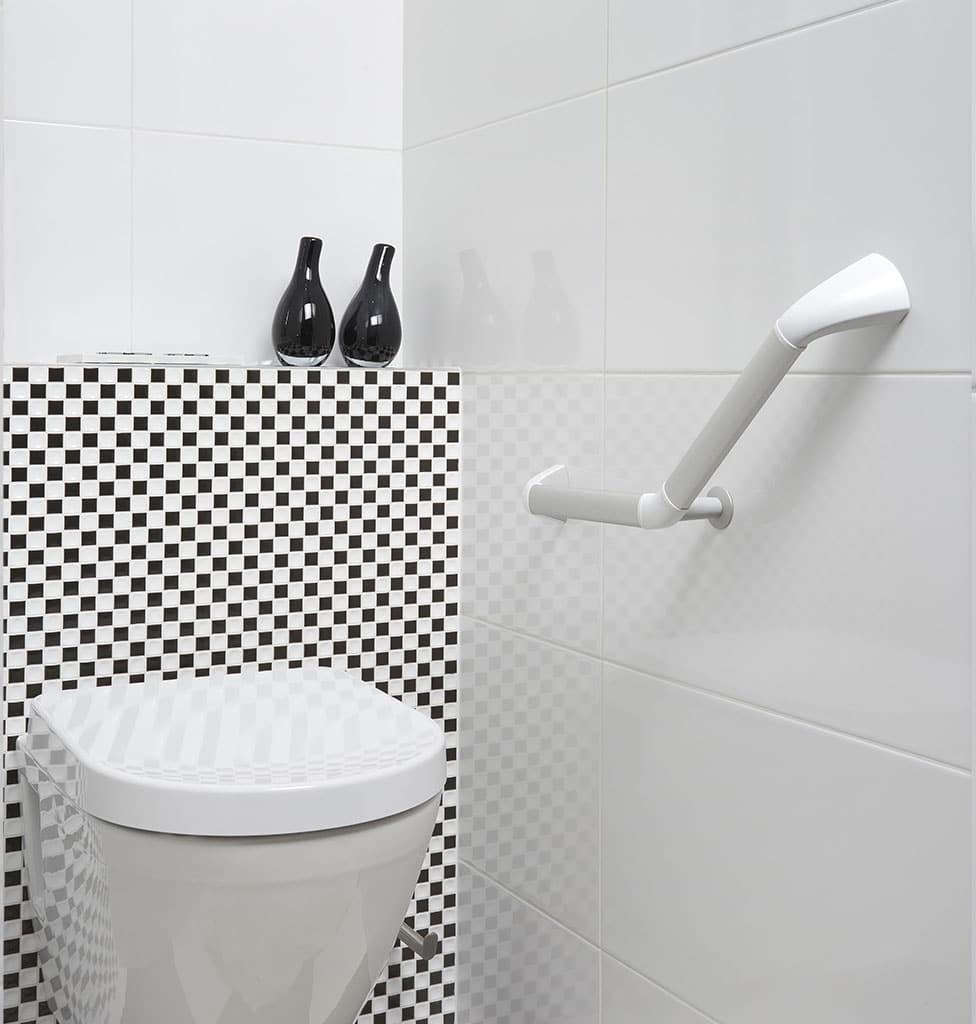 Barre de relevement en angle 45 pour installation toilette wc